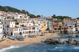 Picturesque Calella de Palafrugell houses the most famous annual havaneres event