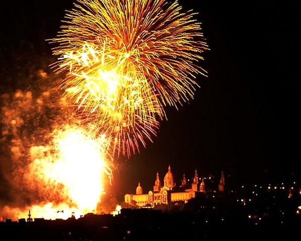 Sant-Joan-Fireworks-Barcelona