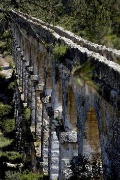 old roman aqueduct